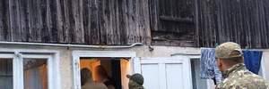 На Прикарпатті люди два роки жили у трудовому рабстві в нелюдських умовах: фото