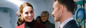 Кейт Миддлтон пришла на мероприятие в короткой юбке: фотофакт