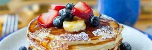 Как приготовить душистые панкейки: рецепт американских блинов