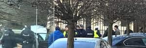 В Польше авто на скорости влетело в ворота президентского дворца