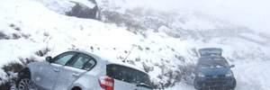 Через сильні снігопади в Україні лише за день сталось 850 аварій