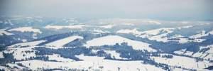 У Карпатах зникла туристка з Дніпра: жінку шукають з вертольотом