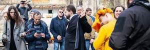 Мустафу Найєма облили нечистотами в Одесі: фото та відео
