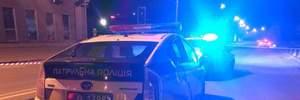 В Киеве мужчина угнал автомобиль патрульных и сбил на нем полицейскую (обновлено)