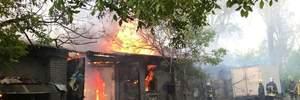 Бывший военный склад горел в Одессе: фото, видео