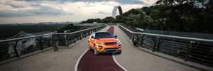 """Неожиданный краш-тест: на пресловутом """"мосту Кличко"""" заметили автомобиль – фото и видео"""