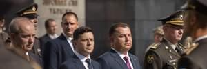 """Зеленський """"штовхнув"""" Полторака: міністр оборони розповів, як було насправді – відео"""