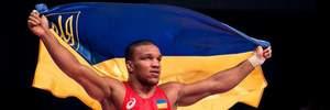 Чемпіонський бій Беленюка та коло пошани з українським прапором: відео