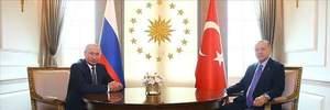 Путин в очередной раз сконфузился на встрече с Эрдоганом: курьезные видео