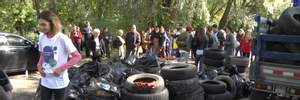 Киевляне убрали берег Днепра и собрали целый грузовик мусора: фото и видео