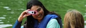 Canon випустила мініатюрну камеру-брелок: як вона виглядає