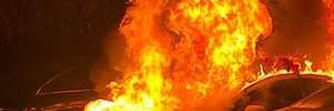 Неизвестные дотла сожгли авто патрульной полиции: фото