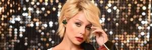 С короткими волосами и в кроссовках: Тина Кароль повторила брутальный образ 2011 года