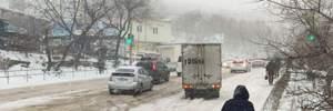 В России Приморье накрыл снежный апокалипсис: во Владивостоке – полный коллапс – фото, видео