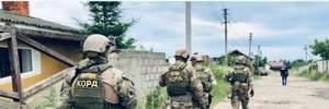 Полиция со спецназом провела массовые обыски на Прикарпатье из-за незаконной вырубки леса – фото