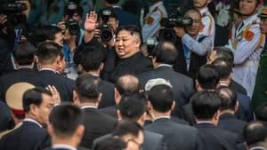 Вигнали з партії, з роботи та кинули за ґрати: фотограф зіпсував кадр лідеру Північної Кореї