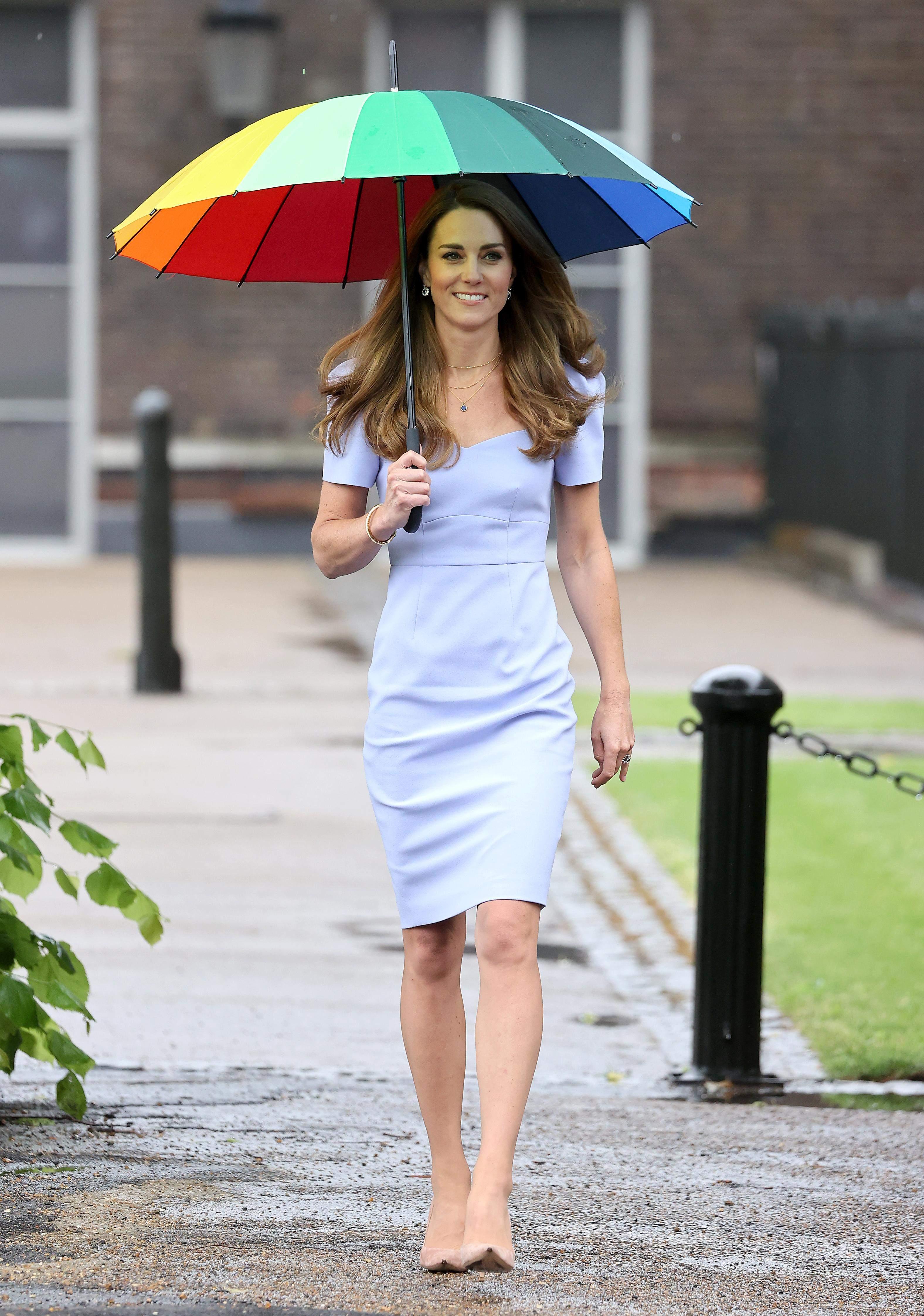Кейт Міддлтон у бузковій сукні
