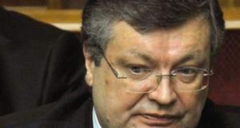 Грищенко: На будівлях посольств України в День Перемоги висітиме державний прапор