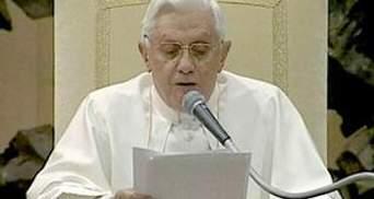 Папа Римський вперше відповів на запитання глядачів у телеефірі