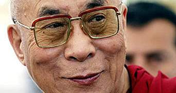 Далай-лама офіційно склав з себе політичні повноваження