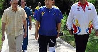 СМИ: Чавес еще три месяца не будет работать