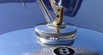 Bentley виходить на ринок позашляховиків