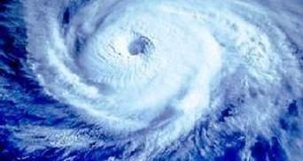 """К """"Фукусиме"""" приближается мощный тайфун"""
