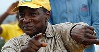 У Гвінеї з гармат обстріляли резиденцію Президента