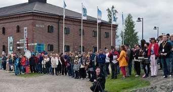В Финляндии прошел чемпионат по метанию мобильных телефонов