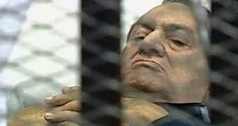 Суд над экс-президентом Египта продолжится без телекамер