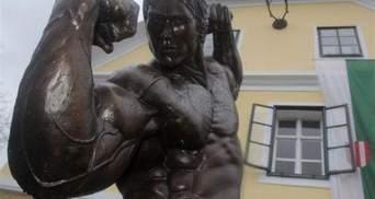 Шварценеггер відвідав музей на свою честь