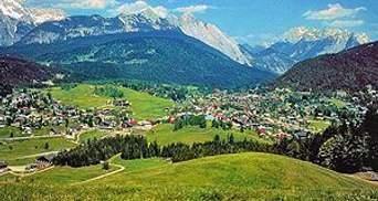 У Швейцарії заборонили ходити у Альпи голим
