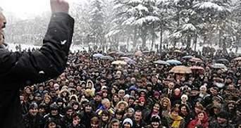 Прихильники опозиції зібрались у центрі Цхінвалі, їм зачитали ультиматум