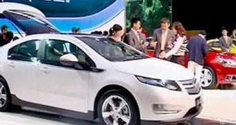 Автосалон у Гуанчжоу представив суперкари та електромобілі