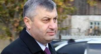 Президент Південної Осетії відмовився йти у відставку