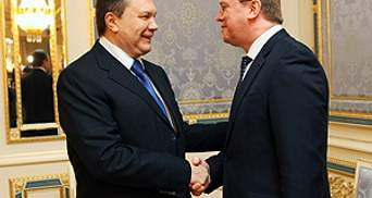 Янукович говорил с Фюле более трех часов. О чем - неизвестно