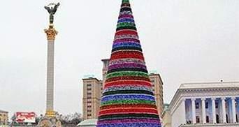 Янукович з дітьми запалив головну ялинку