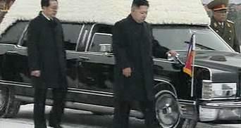 Фоторепортаж: Північна Корея ховає Кім Чен Іра