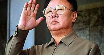 Кім Чен Ір посмертно став Героєм