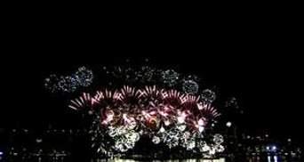Мир масштабными празднованиями встретил 2012 год