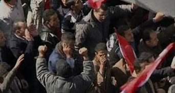 В давке на площади Тахрир в Каире пострадали около 90 человек