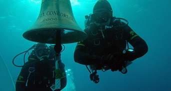 Всередині затонулого лайнера Costa Concordia (Фото)