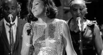 У США померла легендарна співачка Уітні Х'юстон