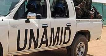 Миротворців, яких захопили повстанці, відпустили