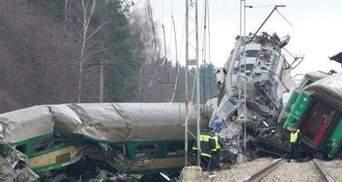 Янукович доручив МЗС допомогти постраждалим в Польщі українцям