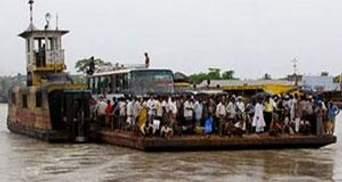 У Бангладеш затонув пором, на борту якого було близько 200 людей
