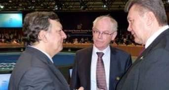 Янукович обговорив з ван Ромпеєм та Баррозу стан відносин України та ЄС