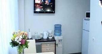 Журналістам показали вигоди у палаті для Тимошенко