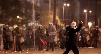 В Греции начались забастовки из-за самоубийства пенсионера