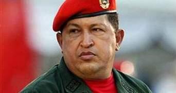 Уго Чавес со слезами на глазах попросил помощи у Бога